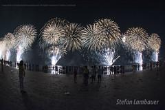 Ano Novo em Santos (Stefan Lambauer) Tags: reveillon brazil people praia beach brasil mar br fireworks sopaulo santos anonovo fogos gonzaga 2016 stefanlambauer 20152016
