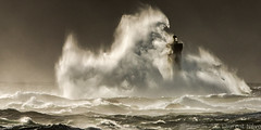 _D814177- 2016 : ça commence fort ! (Brestitude) Tags: mer storm france brittany wave bretagne breizh vague phare tempête grosse argenton hudge lefour iroise brestitude ©nevolaurent2016
