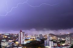 Tempestade no Buritis (Leonardo Barante) Tags: belohorizonte minasgerais brasil cit urbe metropole tempestade raio trovo lightning storm thunderstorm night sky clouds