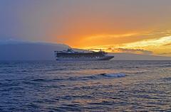 Star Princess at Lahaina, Maui, Hawaii (trphotoguy) Tags: starprincess lahaina maui hawaii hi princesscruises princesscruiseline zcdd6 grandclasscruiseship cruiseship carnivalplc 3570mmf28d