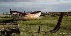 Il reste la carcasse et les artes ... (Rgis B 31) Tags: bateau noirmoutier vende