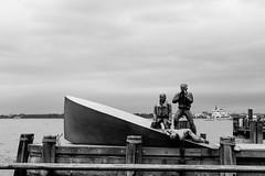 Batteryplace (Boris Peters Arnhem) Tags: new york black white canon 70d usa america ny nyc statue art hudson