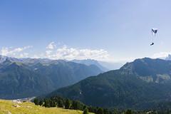 Paraglider (Jérôme...) Tags: campitellodifassa trentinoaltoadige italien italy südtirol dolomiten langkofelgruppe paraglider view mountains clouds f8 iso200 24mm canoneff28isusm