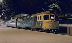 33 039 at Bristol Temple Meads. 21/11/87. (Marra Man) Tags: bristoltemplemeads britishrail class33 class330 33039 1o31 crompton