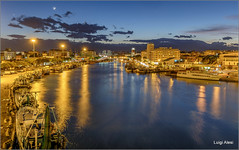 Pescara by night (Luigi Alesi) Tags: pescara italia italy abruzzo fiume porto portocanale luci lights riflessi reflections ora blu blue time paesaggio landscape scenery barche boats notte night fujifilm xm1 raw