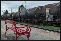 "Red Bench ("" Wiener Schule "") Tags: bench hegyeshalom hungary freight freightcars freighttrain kesselwagen tankcars güterzug güterwagen eisenbahn railway railroad"