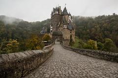 burg eltz III (>>nicole>>) Tags: burg burgeltz castle fog landscape landschaft mist natur nature nebel