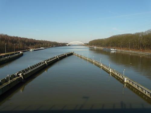 Le canal Albert à Olen