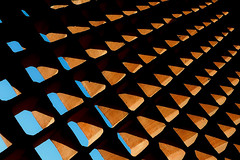 Cobog (AdrianoSetimo) Tags: cobog arquitetura architecture brasil colgiosovicentedepaulo riodejaneiro cuazul bluesky olympusomdem10 olympusmzuikodigitaled1240mmf28pro olympus1240mm consraste contrast abstract abstrato pattern padro padronagem hss sliderssunday