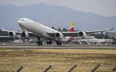 Airbus A340-642X EC-LFS Iberia Taking Off Rwy 17L Headging Madrid! (AlfredoVera82) Tags: a340 340 a346 amb 17l stgo mad scl pdh lfs ibe