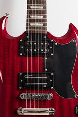 Epiphone SG G400 (Role Bigler) Tags: alanentwistle canonef50mmf14usm canoneos5dsr detail egitarre gitarre guitar humbucker instrument musicalinstrument musikinstrument pickup saiten schweiz strings suisse switzerland tonabnehmer ef14 electricguitar entwislte guitarbody hvx x3