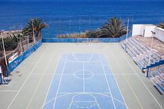 san juan de la rambla, tenerife 2016 (ogy) Tags: tenerife sanjuandelarambla fujix100s playfield concrete atlantic oceanoatlantico ocean blue basketball