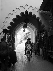 Marrakech 2015 (hunbille) Tags: square market framed el morocco marrakech souk medina marrakesh bazaar bazar jemaaelfna suq fna jemaa
