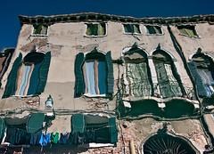Row of houses (gerhard.1962) Tags: italien venice houses italy nikon outdoor blurred architektur venedig spiegelung häuser mirroring verschwommen d90 nikond90 september2015