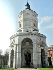 Milan The Tour Expert (112) (TheTourExpert) Tags: city italy milan cathedrals piazzadellascala capitalcities europeancities