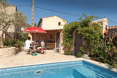 Villa Aix - Couteron (France) (Meteorry) Tags: morning summer france pool june garden europe sam terrace terrasse jardin aixenprovence paca patio cocacola t jacques piscine matin holidayhouse 2015 bouchesdurhne gte stewartleiwakabessy meteorry provencealpesctedazur couteron provencealpesctedazur villaaix paysdaix