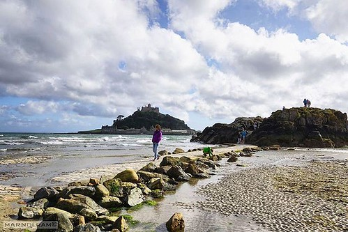 Pressed for time. Tourists run off ashore to get away from the fast approaching high tide in #stmichaelsmount in #England. #landscapephotography  #unitedkingdom  #sonyimages  #SonyA6000