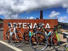 Gran día de #cycling con @yercab y @bellorin33. La isla #grancanaria estaba increíble hoy aunque al final... no llovió y mucho! #bsporty #cyclingadventures