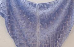 _DSC6032 (KateSi) Tags: tejer tejido tricot tricoter tricotage knitting knit strikke strikking lace semiprecious knitty sjal shawl châle chal blonde encaje purple lilla lila lilas violet purpura violeta