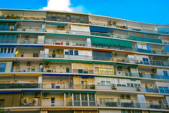 Balcon / balcony (LourdesBS) Tags: balcon balcony sevilla city ciudad cityscape citysequence andalucia buildings architecture arquitectura edificios town pattern life espaa lines urban urbex architecturephotography streetstyle
