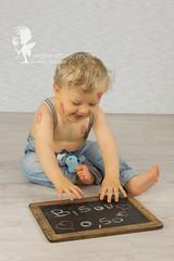 SASHA08 (sandradphotos) Tags: bisou bb garon anniversaire ardoise salopette coeur sourire