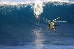 IMG_1646 copy (Aaron Lynton) Tags: surfing lyntonproductions canon 7d maui hawaii surf peahi jaws wsl big wave xxl