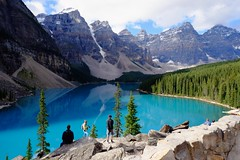 Lake Moraine Canada (linwujin) Tags: landscape lake lakemoraine nationalpark banffnationalpark banff canada tree pine blue fujifilm xt1 xf1655 nature mountain rock rocky green snow cloud alberta