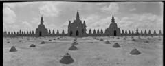 masjid1981 (sulaiman.ellison) Tags: roof film design african architectural 400 westafrica kodaktrix mali masjid islamic djenne wideluxf7