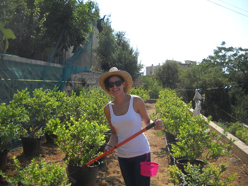 Hoda picking Berries a Aug 2, 2014