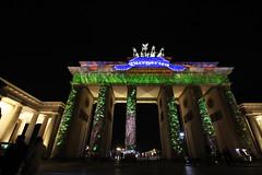 Biergartener Tor (dokomania) Tags: light lightpainting berlin festival licht tor brandenburger lichtmalerei langzeit