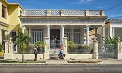 Havana (toshu2011) Tags: city travel black 35mm island fuji havana cuba centro vieja ciudad s x insel 100 mm habana 35 coloured isla havanna kuba crumbling charme caribe vedado karibik mulattoes x100s