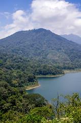 IMGP2497 (vivosi8) Tags: bali lake indonesia island pentax ile k5 dieux indonsie gobleg danaubuyan danautamblingan gobleghill