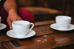 Tasses et théières aux Gourmands de Saint Sernin (Marie Audo) Tags: café vintage vaisselle intérieur teashop ambiance tasses salondethé