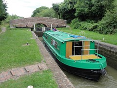 2016 07 25 078 Newbury to Bedwyn on The Admiral (Mark Baker.) Tags: avon baker berkshire crt eu europe kennet kennetandavon mark theadmiral wire britain british canal england english european gb great kingdom lock narrowboat photo photograph picsmark river trust uk union united ka kanda