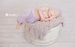 Swietliste-fotografia-noworodkowa-Torun-zdjecia-dzieci-noworodkowe