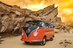 Out of This World (Eric Arnold Photography) Tags: vw volkswagen samba bus van deluxe 23 windoe ragtop safari transporter ca california aguadulce vasquez rocks vasquezrocks shoot photoshoot magazine feature space roack startrek trek trekkie trekker hiking hiker park gorm captain kirk gorn arena canon 80d wideangle 57 1957
