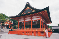 Trip to Kyoto (]vincent[) Tags: japan kyoto fushimi inari vincent sony rx 100 mk iv orange trail cat people portrait self selfie beautifl amazing girl temple