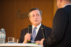 Mario Draghi during the discussion (DIW Berlin) Tags: bank diweuropelecture mariodraghi rede zentralbank berlin