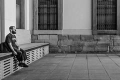_DSF3062 (Antonio Balsera) Tags: bw bn reinasofa gente sentado madrid comunidaddemadrid espaa es