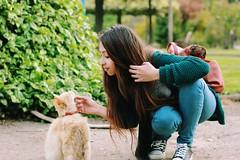 El encuentro con una amiga gatuna (Conserva tus Colores) Tags: catlovers lovenature love amistad chile conservatuscolores gatito gato grunge indie green colores girl me self canon cabello ternura nanai animals