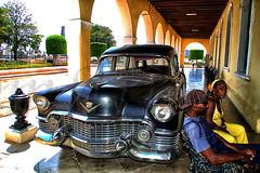 El coche fúnebre (mArregui) Tags: wwwarreguimeluscom marregui nikon coche fúnebre cochefúnebre cuba revolución fidel castro fidelcastro líder liderrevolucionario lahabana caravana caravanadelalibertad libertad