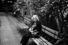 an old lady (N.sino) Tags: m9 summilux50mm bench portrait