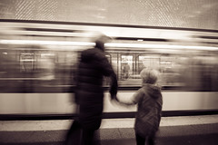 Come on, let's go (andy.meanwhiler) Tags: paris france garedunord subway underground metro tube busy movement longexposure blackwhite citylife streetphotography canon700d travel travelling europe mother child kid mom hurry silhouette