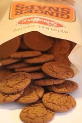 gingersnap cookies (Baking is my Zen) Tags: 11616pumpkincheesecake pumpkincheesecake gingersnaps canonrebelt1i carmenortiz cookies sweets dessert bakingismyzen storeboughtcookies food