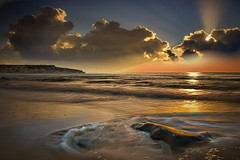 Colori (Zz manipulation) Tags: art ambrosioni zzmanipulation sole tramonto sabbia arancio mare sea onde scogluio cielo