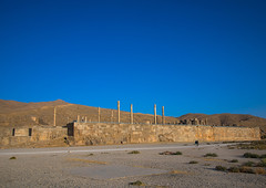 The site of persepolis, Fars province, Marvdasht, Iran (Eric Lafforgue) Tags: achaemenid achaemenidempire ancient ancientcivilisation archaeology archeology architectural architecture blue clearsky colorimage column copyspace culture day desert heritage historical history horizontal incidentalpeople iran iranianculture landmark marvdasht middleeast monument oldruin orient outdoors people persepolis persia photography ruin ruined ruins shiraz sunny takhtejamshid travel traveldestinations unescoworldheritagesite wall farsprovince ir