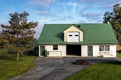 La maison au toit vert (Lucille-bs) Tags: amérique etatsunis usa pennsylvanie paysamisch maison habitation architecture arbre vert