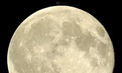 Luna Azul (Alberto Jiménez Rey) Tags: blue sky moon azul night noche luna alberto crater cielo rey jimenez albjr albjr7
