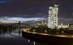 Frankfurt Ost neue europische Zentralbank (Rene Stannarius) Tags: european nightshot frankfurt central bank headquarters ostend neue blaue osthafen mainbrcke zentralbank stunde europische