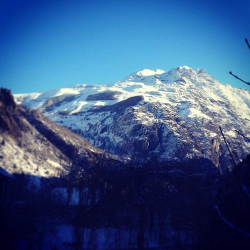 #lesdeuxalpes from #selfcatering  #chalet in la Danchere. #freshsnow #snowandsun. @lesdeuxalpes @bike_lodging Snow has arrived. Time to book your ski holiday. At www.bikelodging.com we also provide #accomodation for #ski and #winter #season.